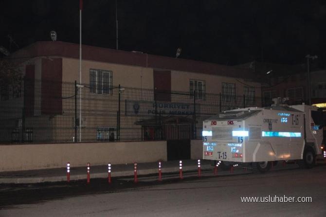 Adana Seyhan'da Hürriyet Polis Merkezi'ne saldırı